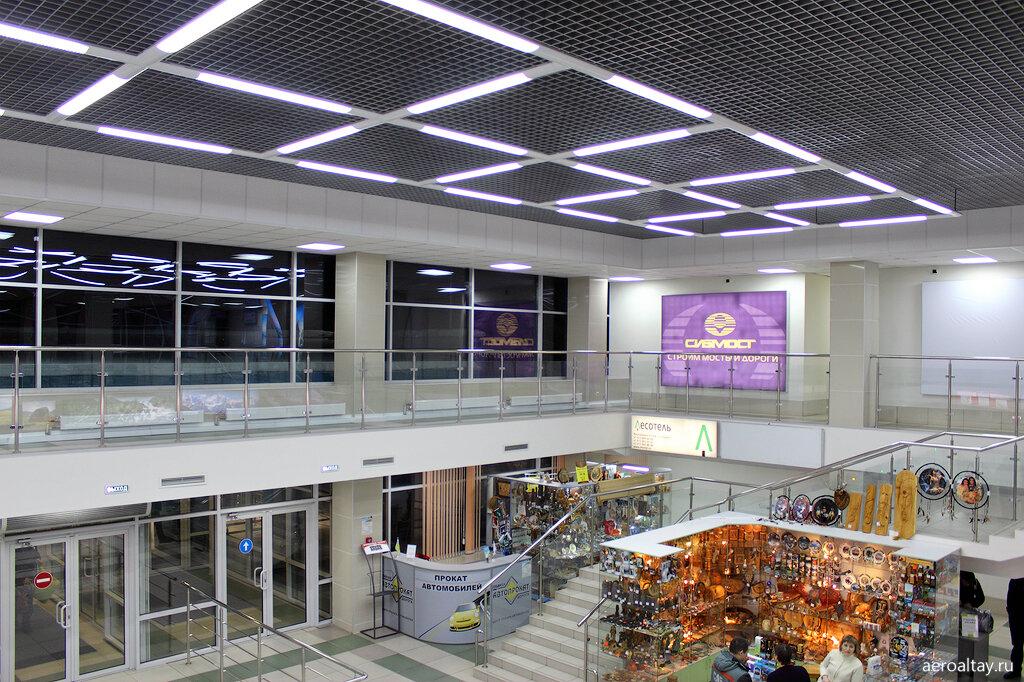 Внутри аэропорта Горно-Алтайска