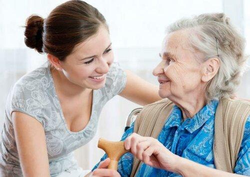 Особенности ухода за пожилыми людьми