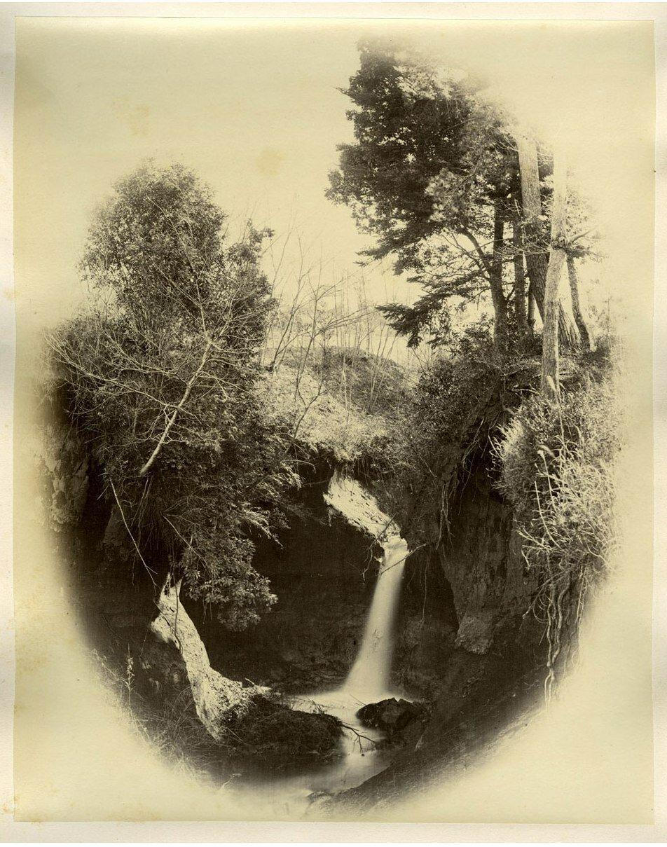 Водопад Jiuniso
