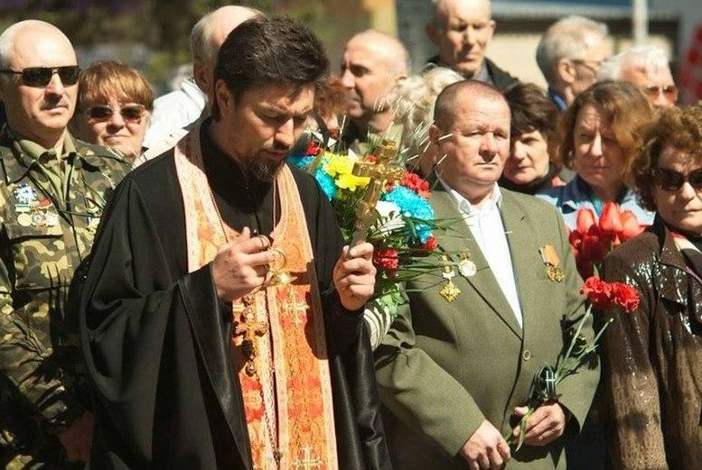 Погибший священник Павел Жученко
