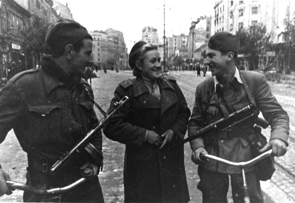 Документальные съемки по принуждению женщин в югославии