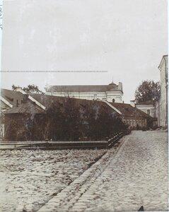 Вид на служебные дома вблизи Кадетского корпуса.