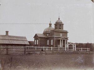 Вид деревенской церкви.