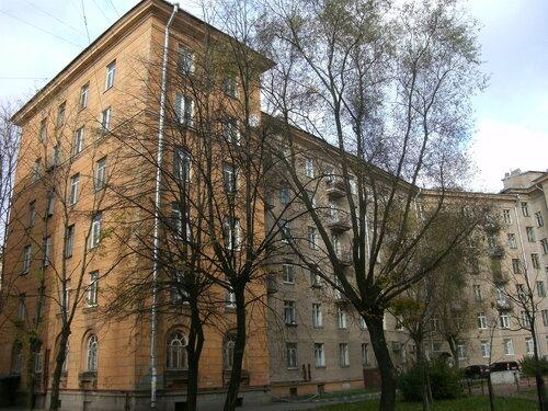 ул. Полярников 8