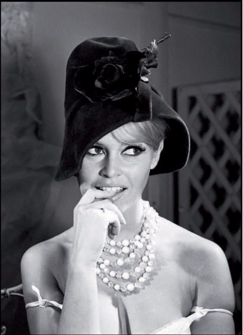 1962. Бриджит Бардо в шляпе