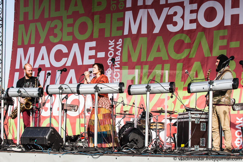 Выступление Инны Желанной на фолк-фестивале на масленницу в Музеоне