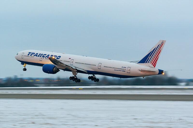 Boeing 777-312 (EI-UNN) Трансаэро D803592