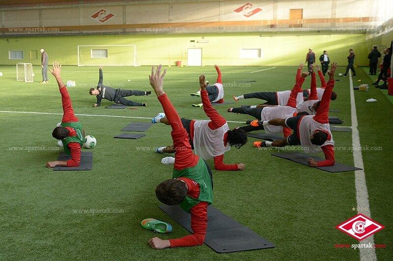 «Спартак» тренировался в сокольническом манеже (Фото)