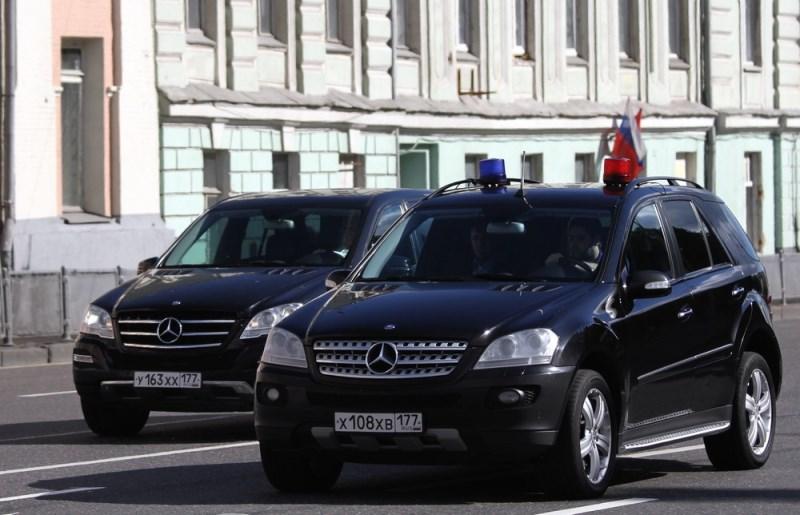 Угадайте, чей это кортеж в Москве?