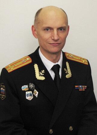 Заместитель начальника кафедры омов и эм полковник медицинской службы осишутин