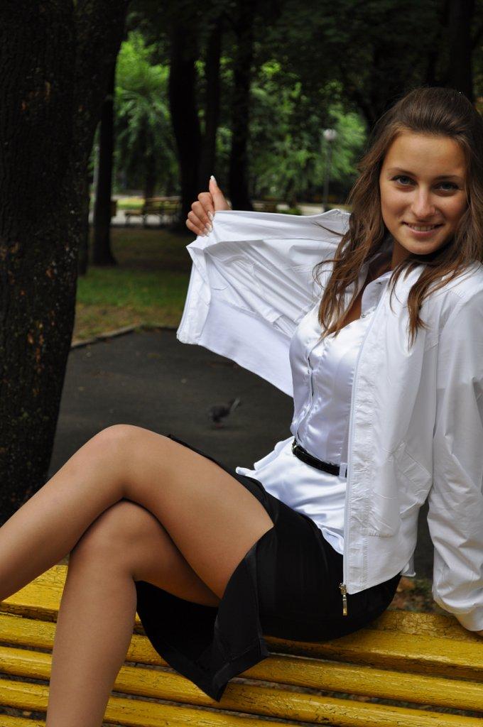 Девушки В Блузках И Юбках