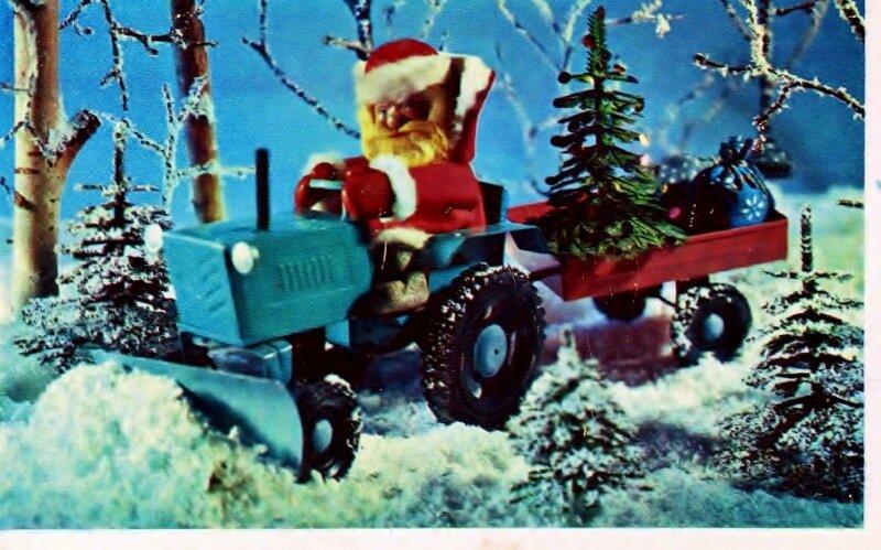Трактор подарки везет 43