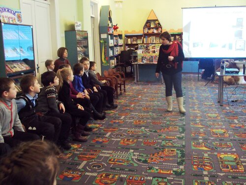 Проведение занятий кружков, кружок Юные почемучки, беседа о компьютере для детей, интернет-этикет для детей, работа кружков в детской библиотеке