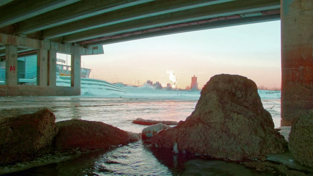 Под мостом у ТРК ″Родник″ (23.01.2014)