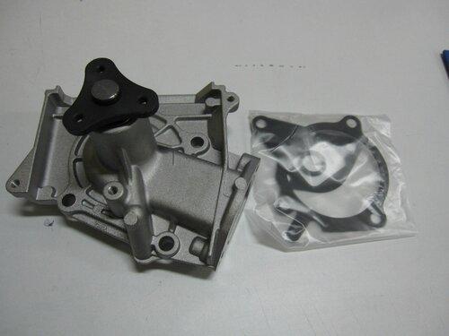 Насос охлаждения Mazda 121 87-96/323-Familia 85-04/Demio 96-07/MX-3 91-97/KIA Pride 90-02/Sephia 93-98