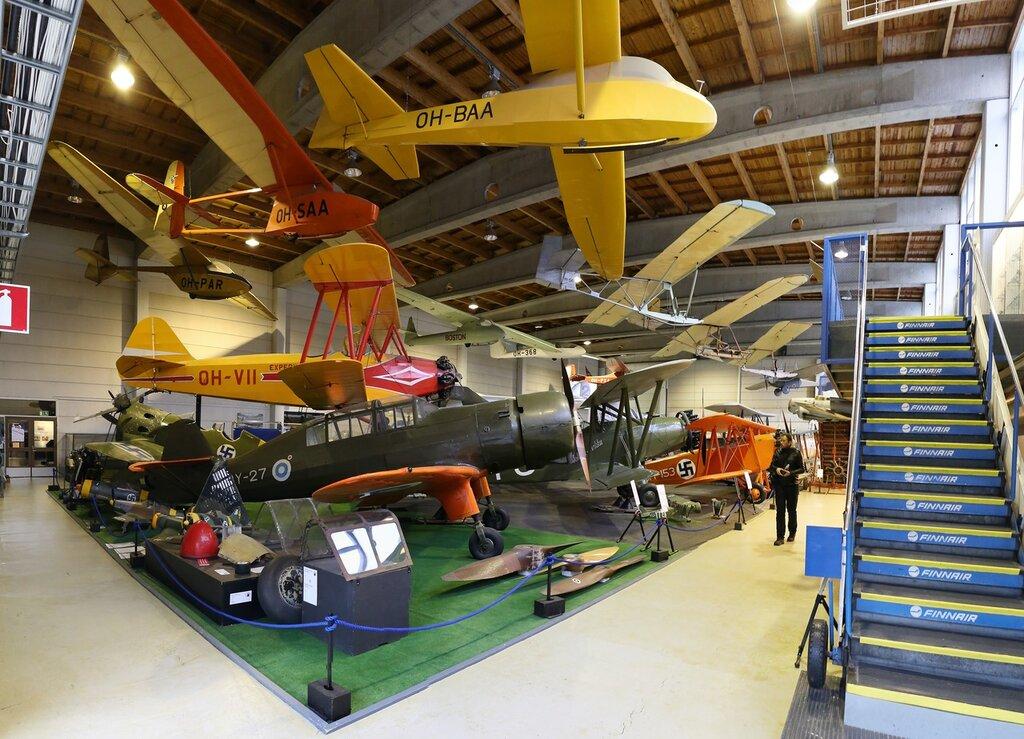 Helsinki-Vantaa Air Museum. Military aviation hall