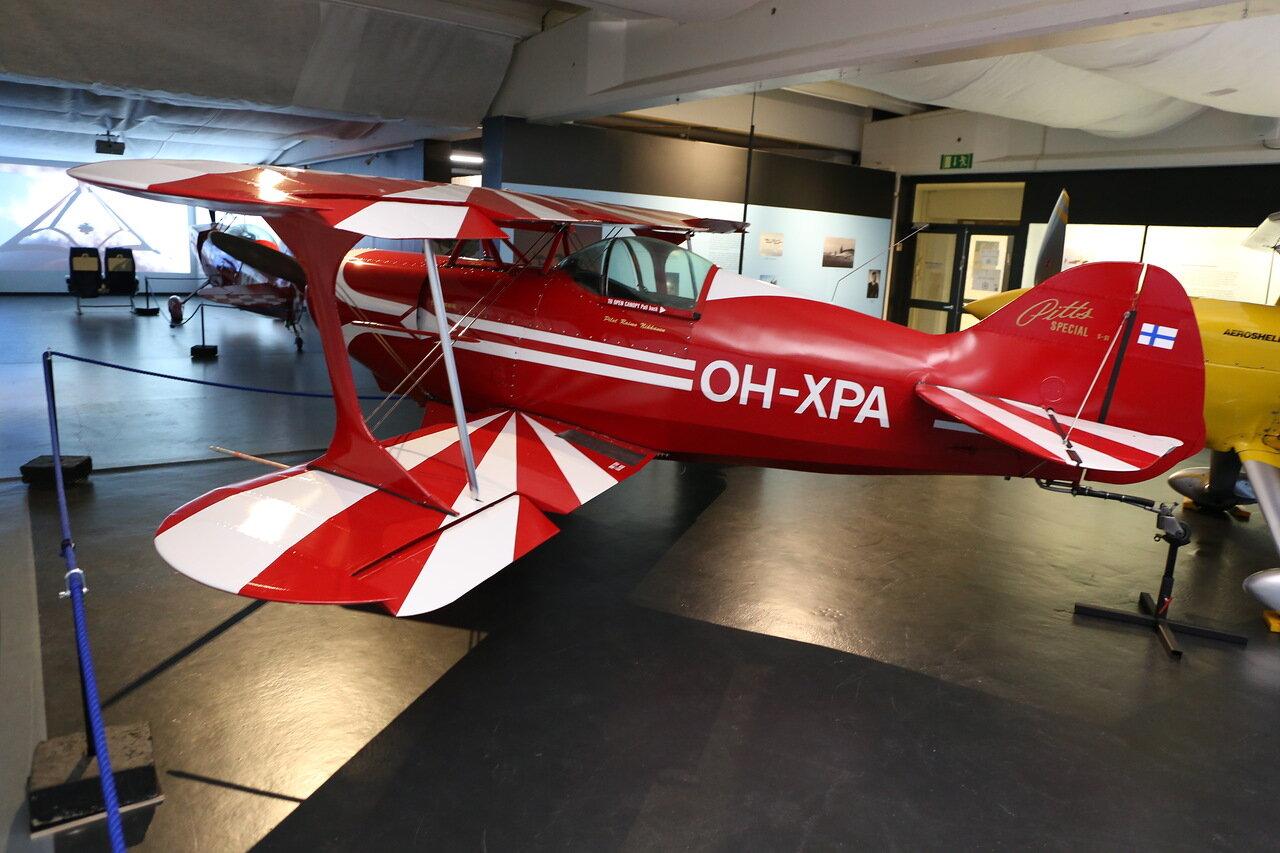 Авиамузей Хельсинки-Вантаа.  Finnish Aviation Museum.  Aerobaic  biplane Pitts special S-1 . акробатический самолет
