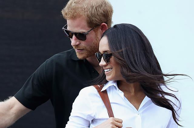 Принца Гарри и Меган Маркл поздравили с помолвкой королева Елизавета и принц Филипп, пожелавшие паре