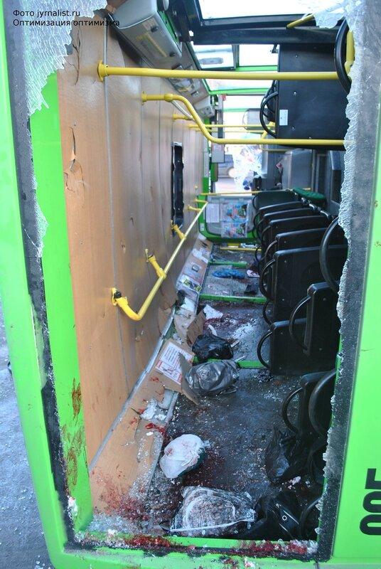 ДТП в Луганске перевернулся автобус