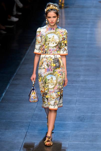Купить новые женские сумки и клатчи от PRADA из коллекции