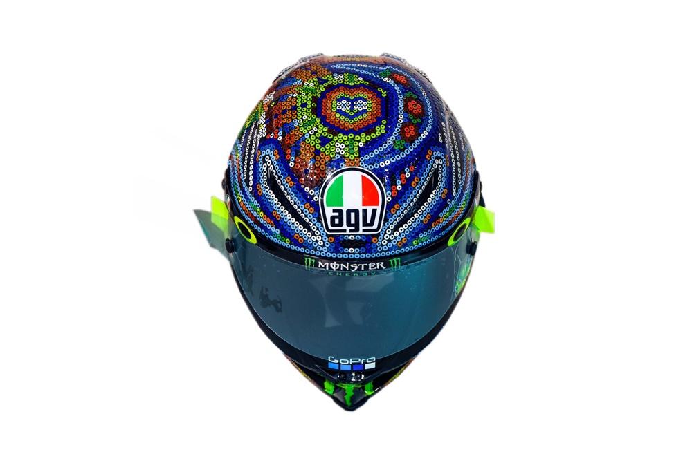 AGV Pista GP R Huichol - шлем Валентино Росси для зимних тестов MotoGP 2018