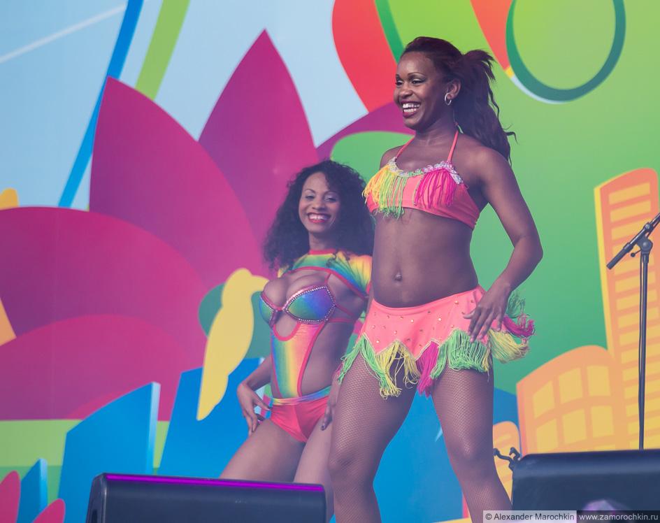 Бразильское танцевальное шоу на фестивале FIFA Fan Fest в Саранске