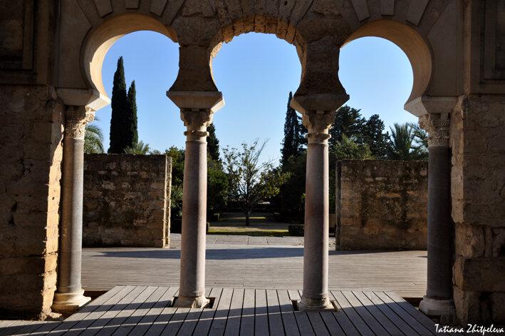 арки верхней базилики