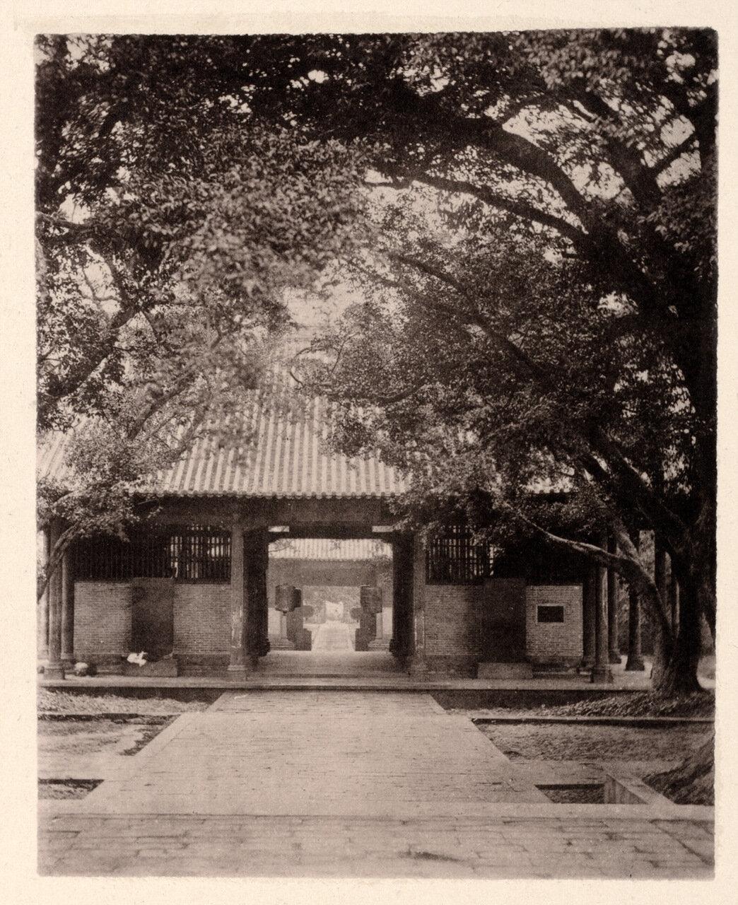 Храм в Кантоне