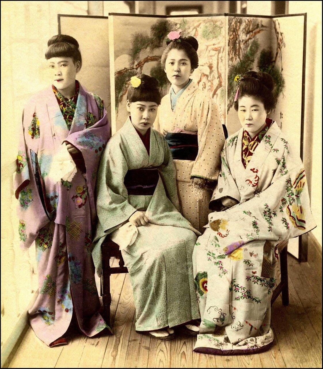 1897. Проститутки борделя №9 в Канагаве
