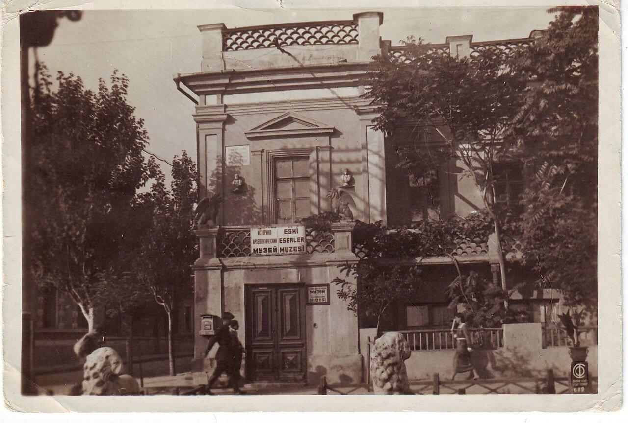 Историко-археологический музей в галерее Айвазовского