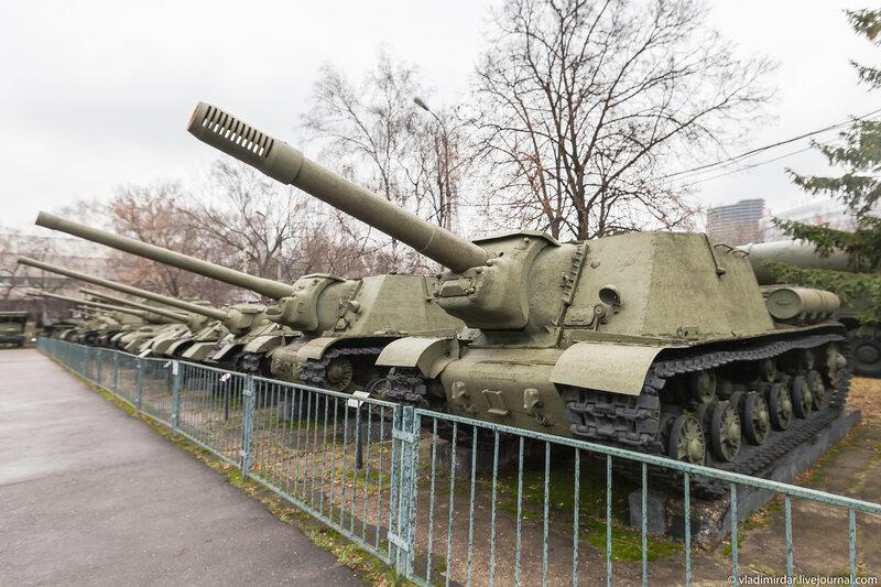 Бронетанковая техника в Центральном Музее Вооруженных Сил в Москве