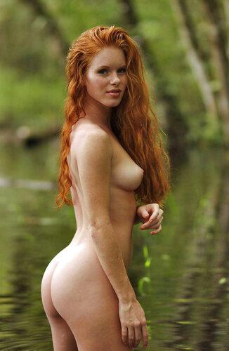 фото рыжей женщины ню