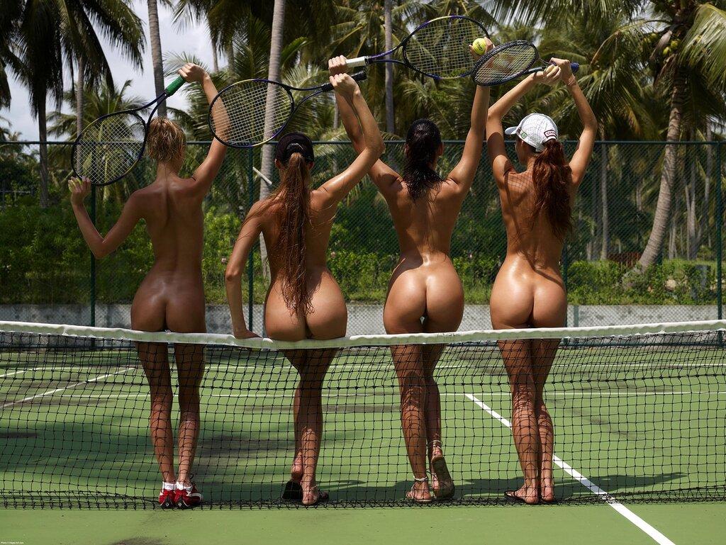 Обнажённый теннис