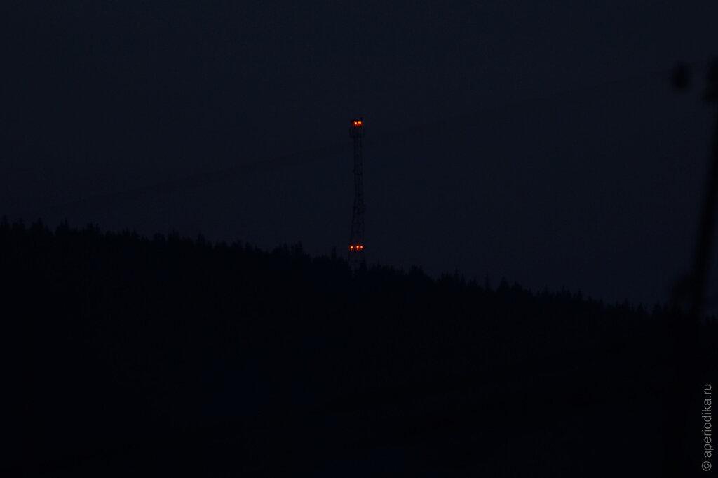 Темнота. Башня сотовой связи