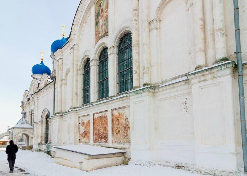 Стены Никольской церкви в Рогачево