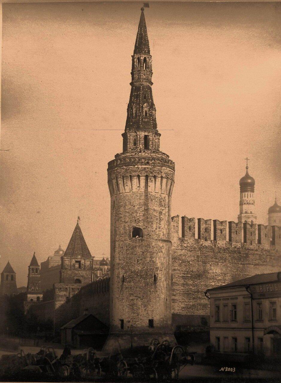 Вид на Беклемишевскую (Москворецкую) башню Кремля