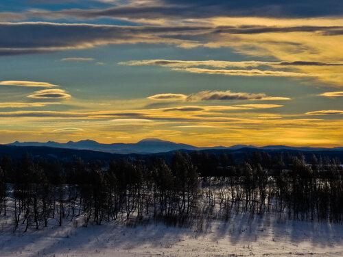 Вечерний вид на хребет Зигальга (республика Башкортостан, Челябинская область). Автор фотографии - Анастасия Попельская