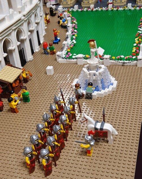 Первый в мире Колизей из LEGO (20 фото)