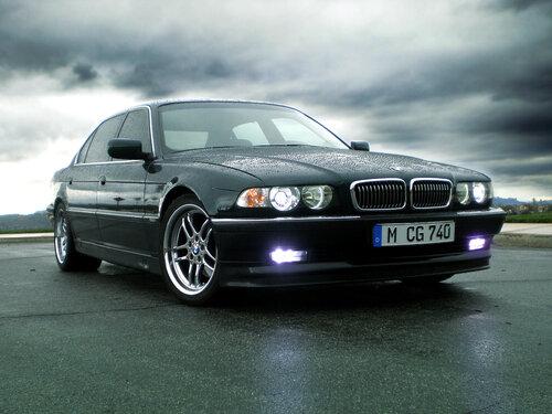 BMW 7 E38