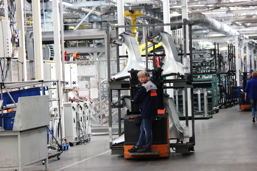Как работать за конвейером продажа фольксваген транспортер бу в краснодарском крае