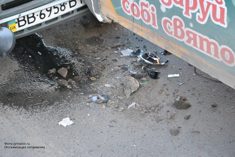 ДТП в Луганске Тойота въехала в маршрутку