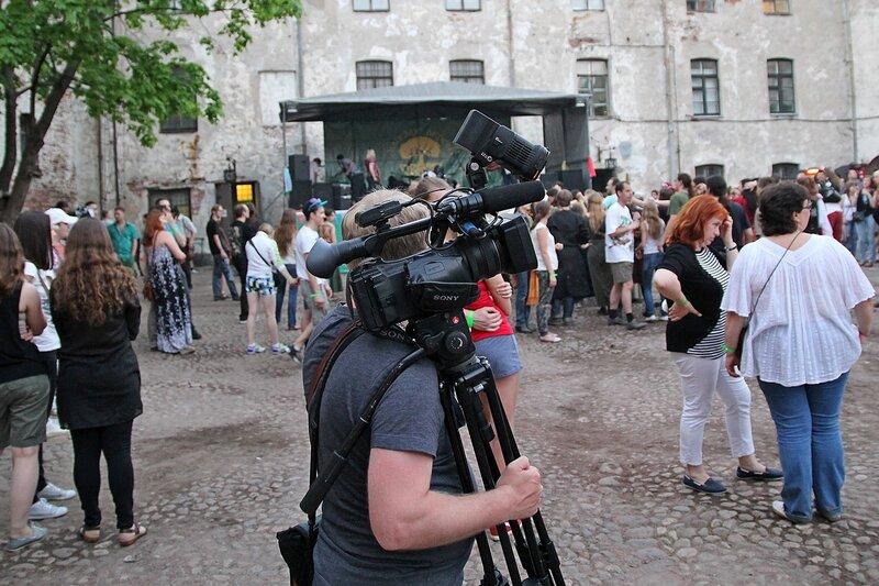 оператор с камерой на фестивале «Майское дерево 2014»