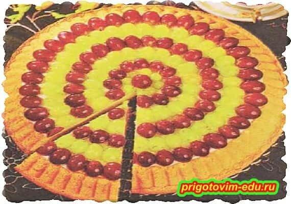 Виноградный пирог с творожным кремом.jpg