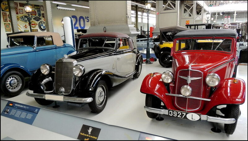 Autoworld 8157 Mercedes-Benz 170 V 1939 - Adler Trumpf Junior 1938.JPG