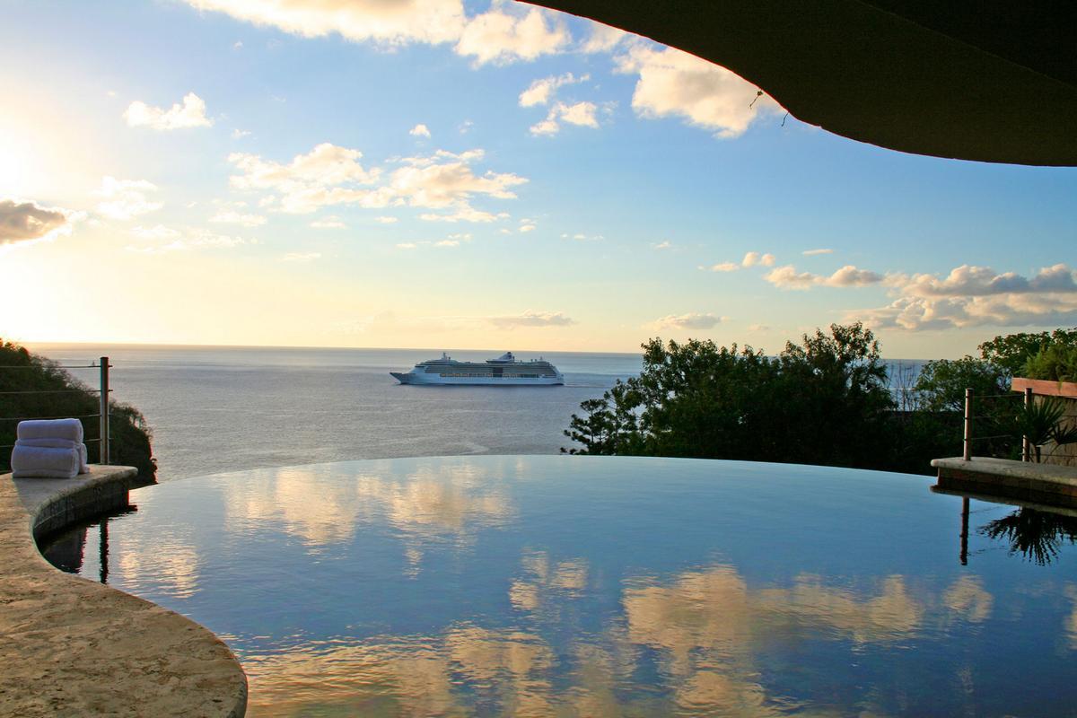 Карибское море, Карибы, отель на Карибах, отели Сент-Люсии, государство Сент-Люсия, отель в Кастри, отель на горе, отель с видом на море, отель Карибы