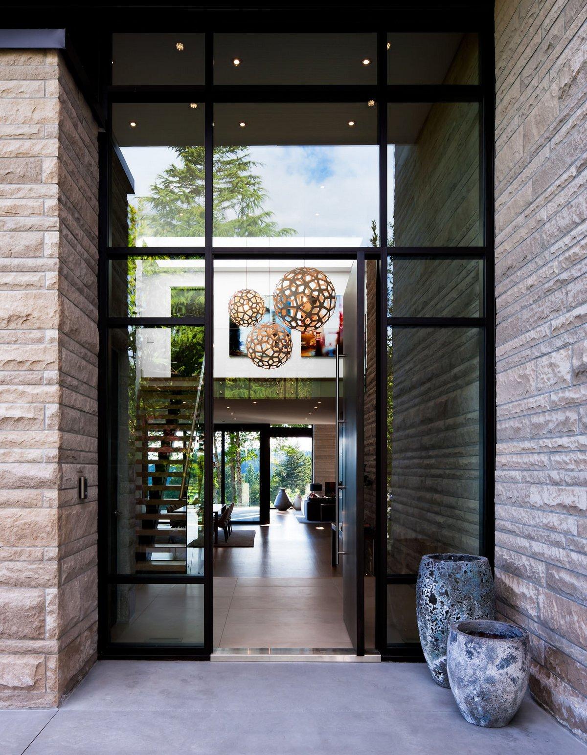 Craig Chevalier, Raven Inside, Burkehill Residence, особняк в Ванкувере, частный дом в Британской Колумбии, особняки в Канаде фото, стеклянные стены