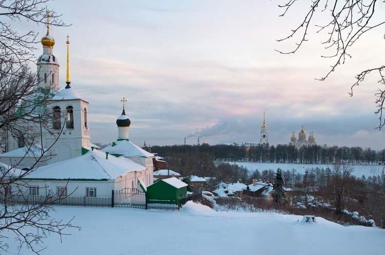 Две церкви. Морозное утро 18 января