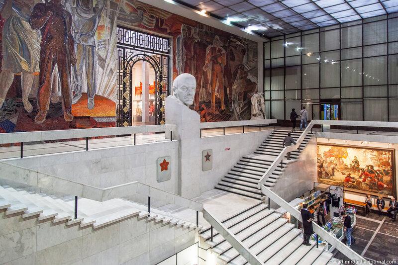 Холл Центрального Музея Вооруженных сил