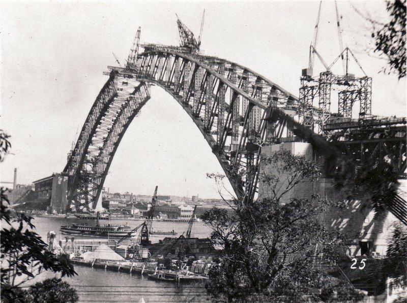 1932 Строительство Харбор-Бридж, Сидней.jpg