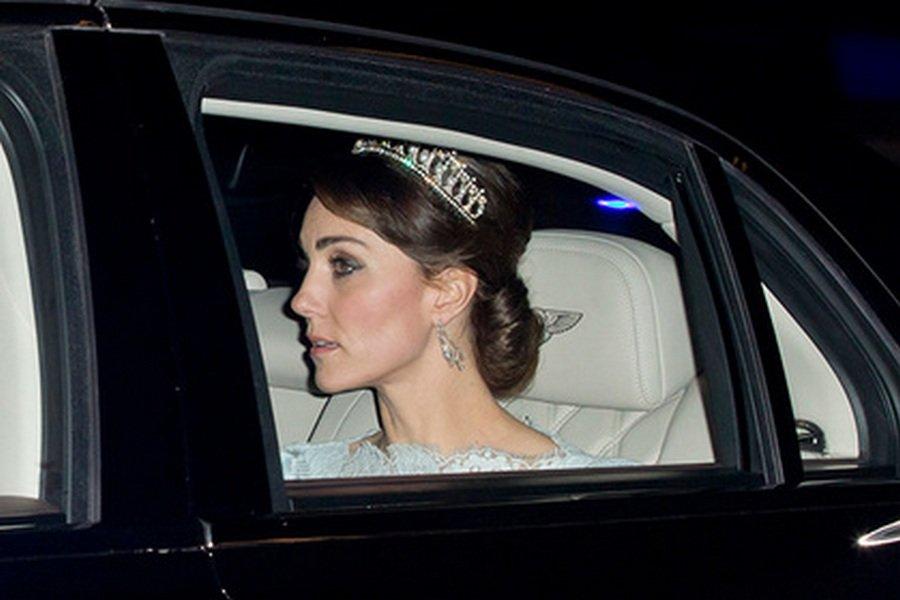 В первый раз Кейт Миддлтон облачилась в тиару принцессы Дианы